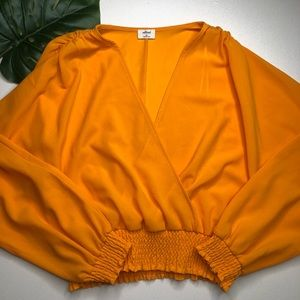 Aritzia Wilfred Reign Blouse in Yellow Size Medium
